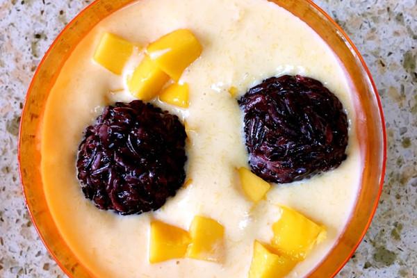 经典港式甜品一一芒果黑糯米甜甜的做法