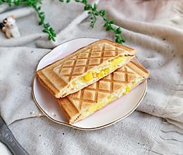#快手又营养,我家的冬日必备菜品#鸡蛋蟹肉三明治的做法