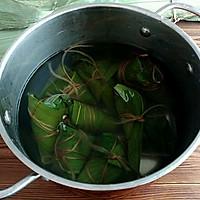 绿黍红花枣生粽的做法图解11
