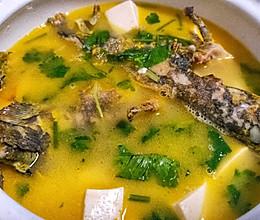黄甲鱼豆腐汤的做法