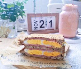 #好吃不上火#火腿鸡蛋三明治#麦子厨房早餐机#的做法