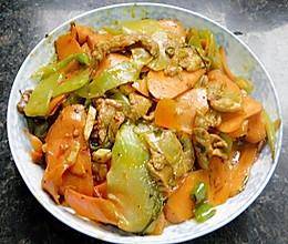 胡萝卜莴笋炒肉片的做法
