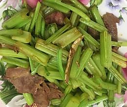芹菜炒肉片的做法