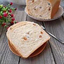 椰蓉葡萄干面包卷