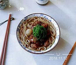 葱圆枣菇面面鸭的做法