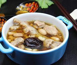 广州人就凭这碗汤过春天,眉豆花生煲鸡爪的做法