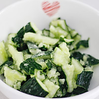 健康美味快手菜,酸爽脆口的刀拍黄瓜的做法图解6