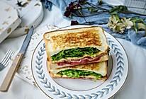 凯撒沙拉三明治#花10分钟,做一道菜!#的做法