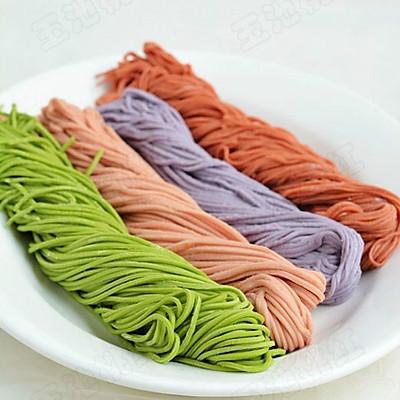 自制纯天然蔬菜汁彩色面条