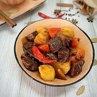 红焖土豆牛肉