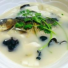 鲫鱼木耳豆腐汤