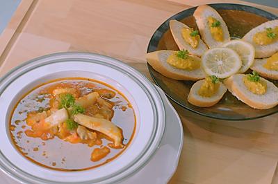 克里奥风味海鲜汤配蒜味辣椒面包