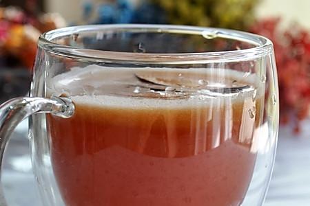 黑布林鲜果汁的做法