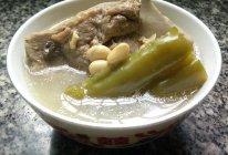 苦瓜黄豆煲骨头汤的做法