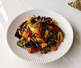 蒜辣生焖三黄鸡的做法