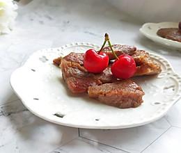 #我要上首焦#简单好吃的早餐:煎牛排的做法