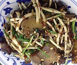 腊肉炒鱼腥草的做法