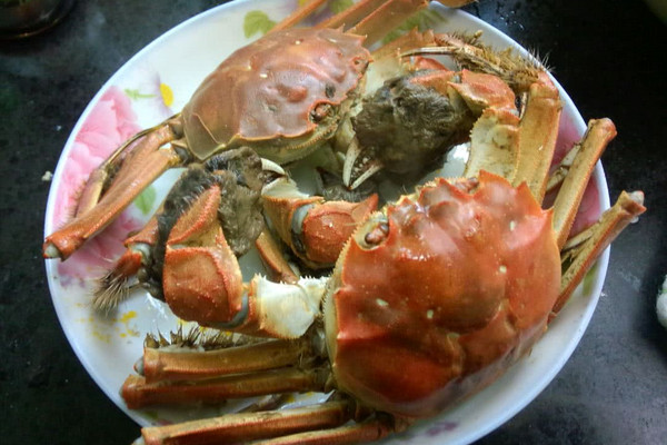 水煮大闸蟹的做法