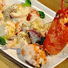 【变厨神】黄油芝士焗龙虾(详细解虾步骤) 有视频