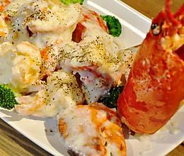 【变厨神】黄油芝士焗龙虾(详细解虾步骤) 有视频的做法