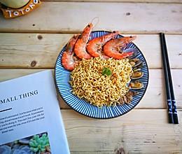 海鲜炒蟹黄面的做法