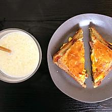 鸡蛋培根芝士吐司