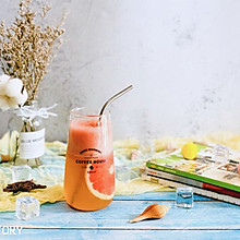 #硬核菜谱制作人#幸福满满—满杯红柚