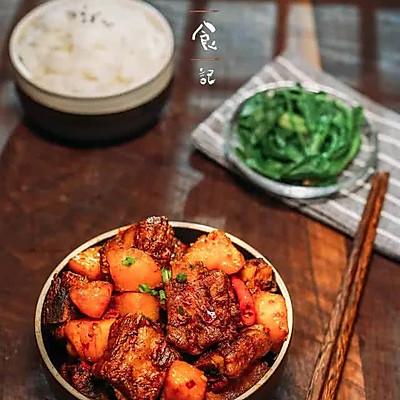 电饭煲土豆焖排骨|日食记