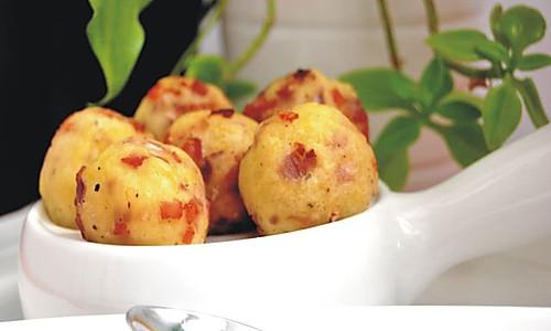 土豆培根奶酪球的做法