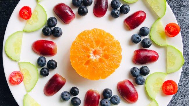 水果蔬菜拼盘~轴对称图形的美的做法