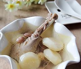 荸荠花生炖鸡汤的做法