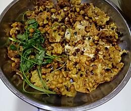 黄豆煎鸡蛋(乱石铺街)的做法