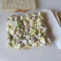 五分钟的营养能量早餐---鸡蛋三明治的做法图解6