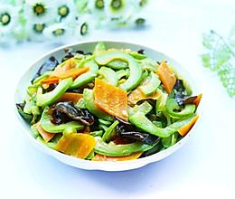 #父亲节,给老爸做道菜#超简单的家常素炒西葫芦的做法