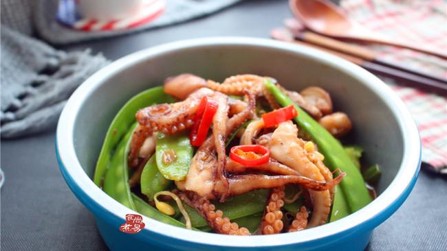 #花10分钟,做一道菜#麻辣章鱼炒荷兰豆的做法