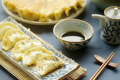 笋瓜鸡蛋煎饺【微体兔菜谱】
