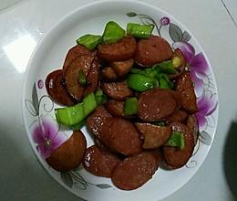 辣椒炒红肠的做法