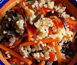 一人食:三色素炒饭+丸子蘑菇汤的做法