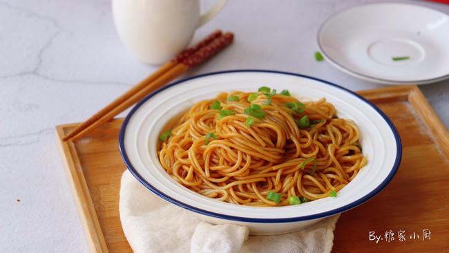 #母亲节,给妈妈做道菜#不油不腻的葱油拌面的做法