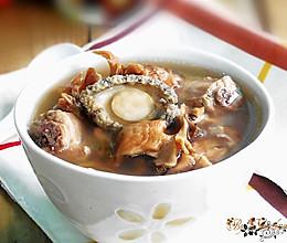 灰树花鲍鱼排骨汤的做法