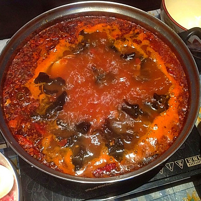 番茄辣火锅
