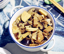 香菇冬笋炖五花肉的做法