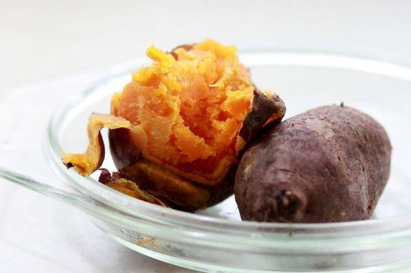 微波烤红薯的做法