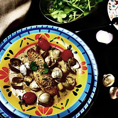 香煎鳕鱼配奶油蛤蜊浓汤