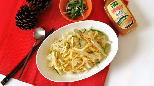 鸡汁萝卜金豆丝#太太乐鲜鸡汁蒸鸡原汤#的做法