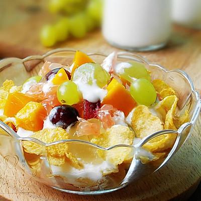 酸奶水果早餐