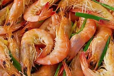 不加一滴水的盐焗虾,做法简单,味道超好!