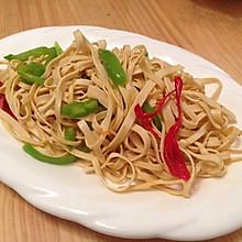 双椒炒豆腐丝