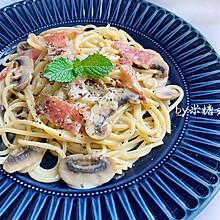 经典西餐:奶油培根意大利面
