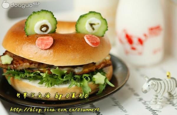 青蛙贝果猪扒三文治